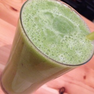 Southampton Personal trainer Gen Levrant: Green Smoothie with added Chia seeds