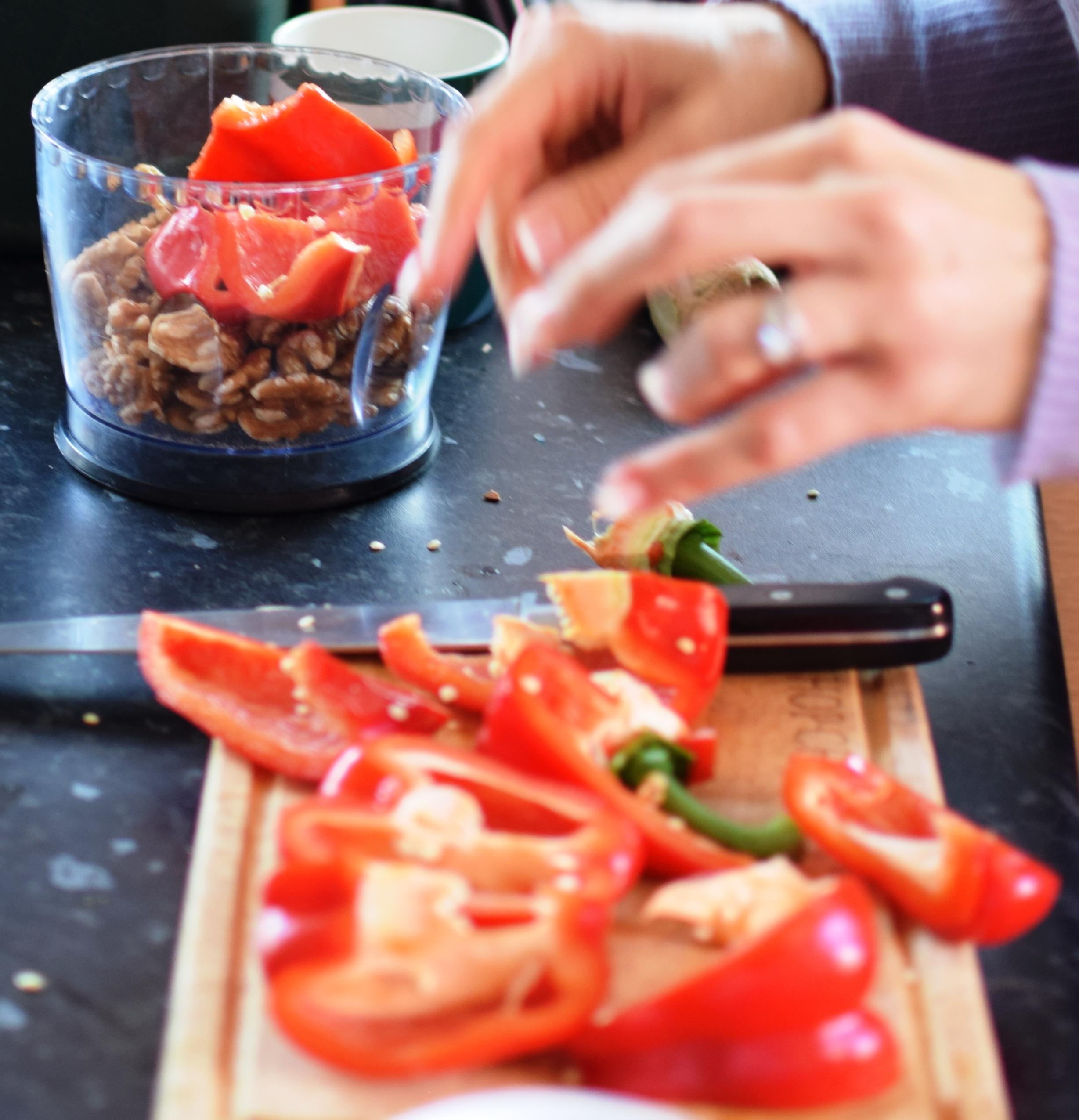 New summer recipe raw red pepper hummus pt gen personal trainer vegan red pepper hummus southampton personal trainer gen preece boot camp forumfinder Images