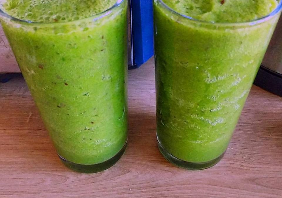 The Good Green Smoothie Guide